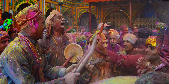 holi at mathura dwarkadhish temple